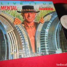 Discos de vinilo: CROCODILE DUNDEE COCODRILO MENTAL AS ANYTHING. LIVE IT UP +2 12 MX BSO OST 1987 SPAIN ESPAÑA. Lote 107322663