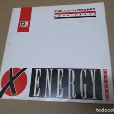 Discos de vinilo: F.M. FEATURING RODNEY (MX) LET'S PARTY +1 TRACK AÑO 1991 – EDICION ITALIA. Lote 107601355