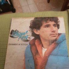 Discos de vinilo: MIGUEL RIOS - JUGANDO A VIVIR / DEL GRIS AL AZUL - SINGLE. Lote 107846795