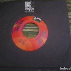 Discos de vinilo: EDDIE REEVES - HERE I STAND/ON THE STREET AGAIN SINGLE ORIGINAL U.S.A. KAPP 1971 -. Lote 108241611