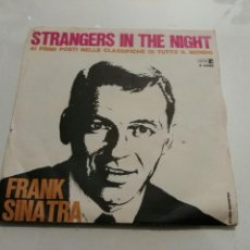 Disques de vinyle: FRANK SINATRA- STRANGERS IN THE NIGHT/OH, YOU CRAZY MOON- REPRISE MADE IN ITALY 6. Lote 109344379