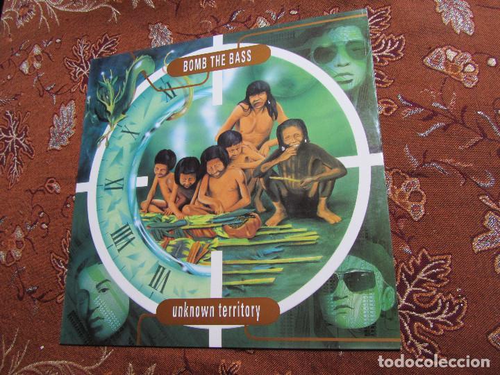 BOMB THE BASS- LP DE VINILO- TITULO UNKNOWN TERRITORY- C0N 10 TEMAS- ORIGINAL DEL 91- NUEVO (Música - Discos - Singles Vinilo - Electrónica, Avantgarde y Experimental)