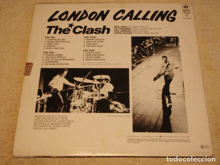 Discos de vinilo: THE CLASH ( LONDON CALLING ) DOBLE LP33 1979-HOLANDA CBS RECORDS - Foto 2 - 109431019