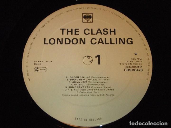 Discos de vinilo: THE CLASH ( LONDON CALLING ) DOBLE LP33 1979-HOLANDA CBS RECORDS - Foto 7 - 109431019