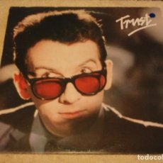 Discos de vinilo: ELVIS COSTELLO & THE ATTRACTIONS ( TRUST) 1981 - SCANDINAVIA LP33 BEAT RECORDS. Lote 109530087