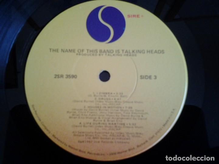 Discos de vinilo: TALKING HEADS - THE NAME OF THIS BAND IS TALKING HEADS- DOBLE LP SIRE 1982 ED. AMERICANA - Foto 2 - 110025715