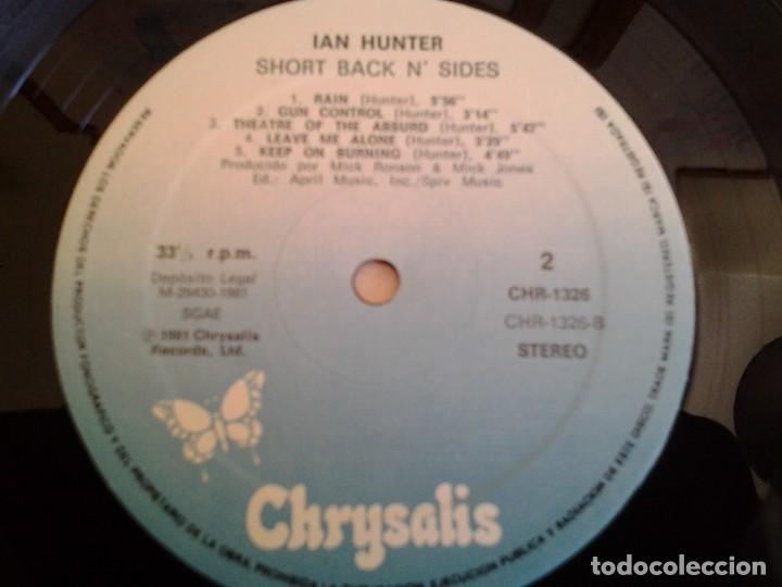 Discos de vinilo: IAN HUNTER -SHORT BACK N SIDES- LP CHRYSALIS 1981 ED. ESPAÑOLA CHR-1326 EN MUY BUENAS CONDICIONES. - Foto 2 - 110105851