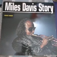 Discos de vinilo: MILES DAVIS STORY. LP DOBLE CBS / SONY COL 469265 1. . Lote 110111187