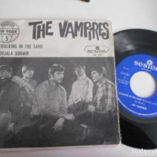 Discos de vinilo: THE VAMPIRES-SINGLE WALKING IN THE SAND 1967. Lote 110147231