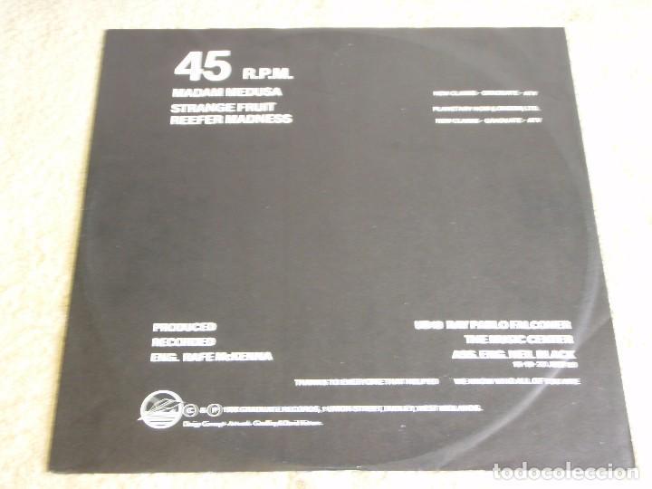 Discos de vinilo: UB40 ( SIGNING OFF ) LP33+MAXI45 1980-SWEDEN GRADUATE RECORDS - Foto 3 - 111316859