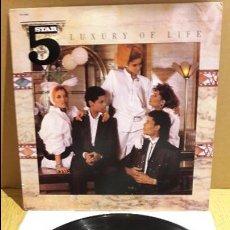 Discos de vinilo: FIVE STAR / LUXURY OF LIFE / LP / RCA-VICTOR - 1985 / MUY BUENA CALIDAD. ***/***. Lote 111625423