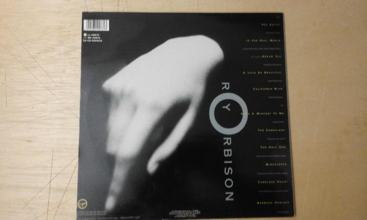 Discos de vinilo: LP ** ROY ORBISON . MYSTERY GIRL ** EDICIÓN 1988 ** VIRGIN - FUNDA CON LETRA CANCIONES - Foto 2 - 112029891