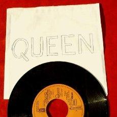 Discos de vinilo: QUEEN (SINGLE 1980) ANOTHER ONE BITES THE DUST / QUE OTRO MUERDA EL POLVO. Lote 112093343