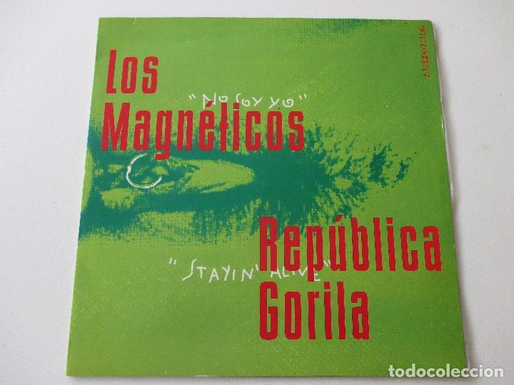 RECOPILATORIO FANCOMIC 0,999 EL UNIVERSO SE NOS EXPANDE 1994 MAGNÉTICOS PÍLDORA X REPÚBLICA GORILA.. (Música - Discos de Vinilo - Maxi Singles - Grupos Españoles de los 90 a la actualidad)