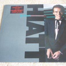 Discos de vinilo: JOHN HIATT ( WARMING UP TO THE ICE AGE ) 1985-HOLANDA LP33 GEFFEN RECORDS. Lote 199098362