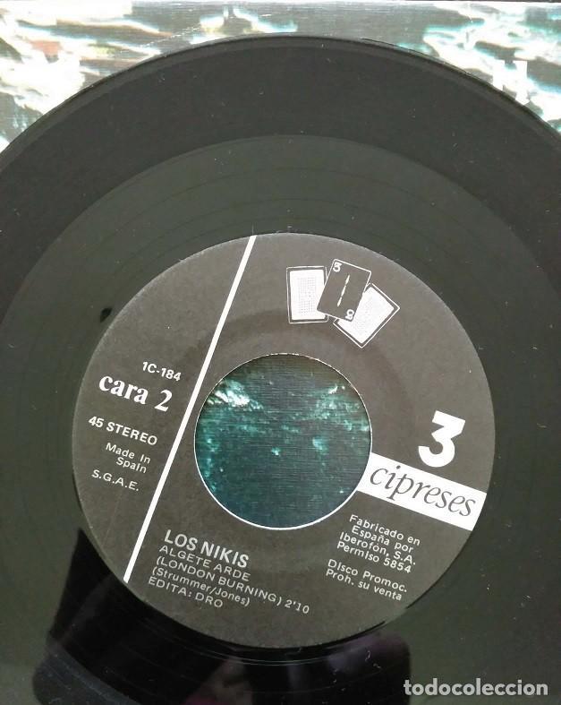 Discos de vinilo: LOS NIKIS - BRUTUS / ALGETE ARDE / SINGLE PROMO - 3 Cipreses ?– 1C-184 - 1987 - COMO NUEVO - Foto 4 - 113470147