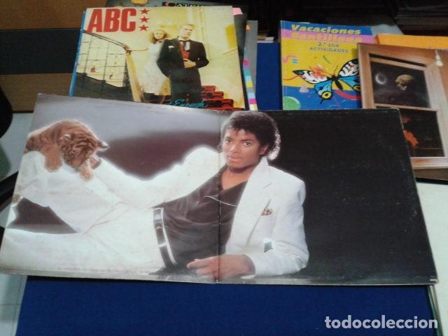 LP VINILO ( MICHAEL JACKSON - THRILLER ) 1982 CBS ESPAÑA DOBLE CARPETA Y ENCARTE CON LAS LETRAS (Música - Discos de Vinilo - EPs - Pop - Rock - New Wave Extranjero de los 80)