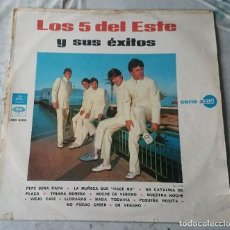 Discos de vinilo: LOS 5 DEL ESTE Y SUS ÉXITOS (EMI REGAL 1967). Lote 114608299