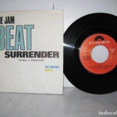 Disques de vinyle: THE JAM 45 RPM BEAT SURRENDER POLYDOR. Lote 115460895