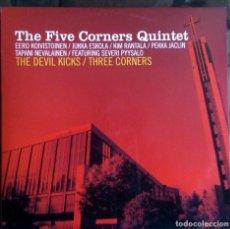 Discos de vinilo: THE FIVE CORNERS QUINTET – THE DEVIL KICKS / THREE CORNERS FINLAND 2004 JAZZ 10 PULGADAS. Lote 116339447