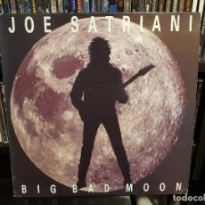 Discos de vinilo: JOE SATRIANI - BIG BAD MOON. Lote 116562567