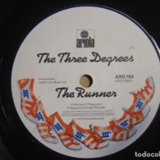 Dischi in vinile: THE THREE DEGREES - THE RUNNER - SINGLE 1979 - ARIOLA. Lote 116691347