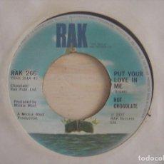 Discos de vinilo: HOT CHOCOLATE - LET THEM .. + PUT YOUR LOVE IN ME - SINGLE UK 1977 - RAK. Lote 117121515