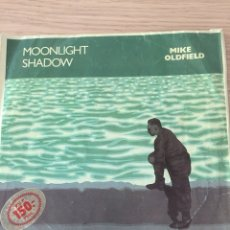Discos de vinilo: MIKE OLFIELD - SINGLE - MOONLIGHT SHADOW- UNICO EN TC. Lote 117616783