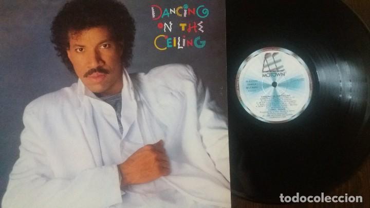 Discos de vinilo: LIONEL RICHIE - DANCING ON THE CEILING LP - ORIGINAL ESPAÑOL - MOTOWN 1986 - Foto 3 - 117632027