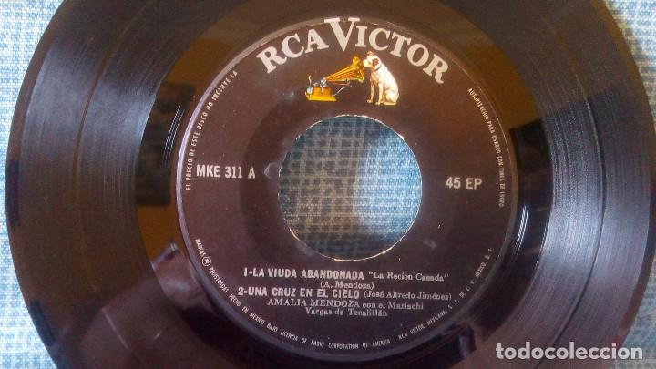 Discos de vinilo: AMALIA MENDOZA - LA VIUDA ABANDONADA + 3 - RCA VICTOR MKE-311 RARISIMA EDICION DE MEXICO - Foto 3 - 118471375