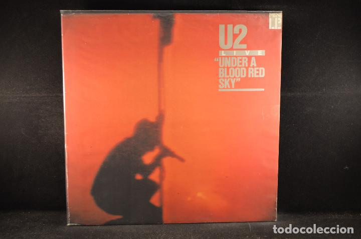 U2 - UNDER A BLOOD RED SKY - LP (Música - Discos - LP Vinilo - Pop - Rock - New Wave Extranjero de los 80)