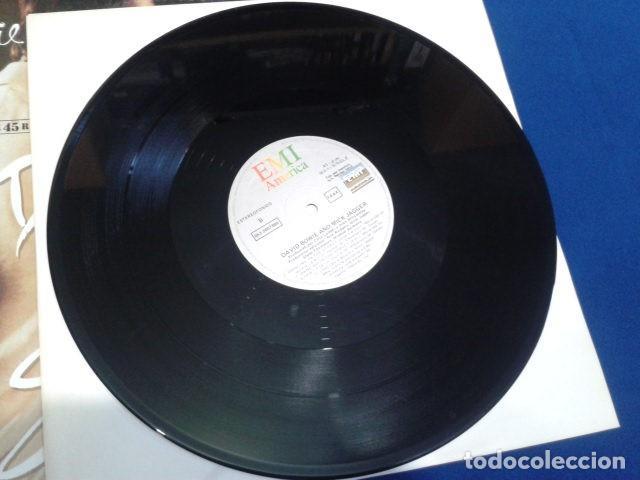Discos de vinilo: VINILO MAXI SINGLE 45 RPM DAVID BOWIE & MICK GAGGER ( DANCING IN THE STREET ) 1985 EMI ESPAÑA - Foto 4 - 119237047