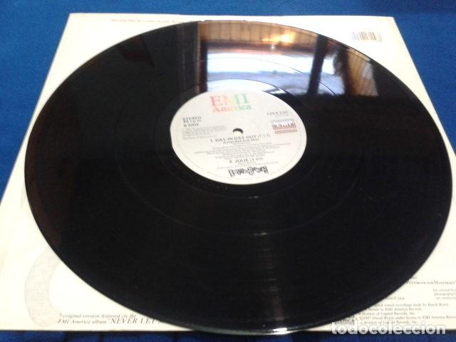 Discos de vinilo: VINILO MAXI SINGLE 45 RPM DAVID BOWIE (DAY-IN DAY- OUT EXTENDED DANCE MIX ) 1987 EMI USA - Foto 6 - 119237235