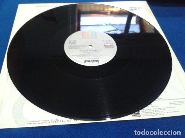 Discos de vinilo: VINILO MAXI SINGLE 45 RPM DAVID BOWIE (DAY-IN DAY- OUT EXTENDED DANCE MIX ) 1987 EMI USA - Foto 8 - 119237235