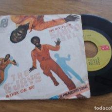 Discos de vinilo: THE O´JAYS. WORK ON ME. PASEMOS ALGO DE TIEMPO JUNTOS.. Lote 119367751