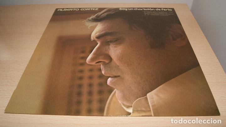 ALBERTO CORTEZ SOY UN CHARLATÁN DE FERIA LP 1976 HISPAVOX EDICION ESPAÑOLA (Música - Discos - LP Vinilo - Grupos Españoles de los 70 y 80)