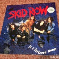 Discos de vinilo: SKID ROW -IN A DARKENED ROOM- (1991) MAXI-SINGLE. Lote 120965459