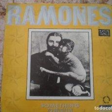 Discos de vinilo: MAXI 12 PULGADAS. RAMONES. SOMETHING TO BELIEVE IN +2. AÑO 1986. ENCARTE. Lote 121001679