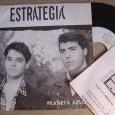 Discos de vinilo: ESTRATEGIA - PLANETA AZUL - SINGLE PROMOCIONAL CON HOJA 1993 - SALAMANDRA. Lote 121379087