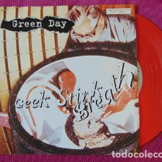 Discos de vinilo: GREEN DAY – GEEK STINK BREATH - SINGLE VINILO ROJO. Lote 121444495