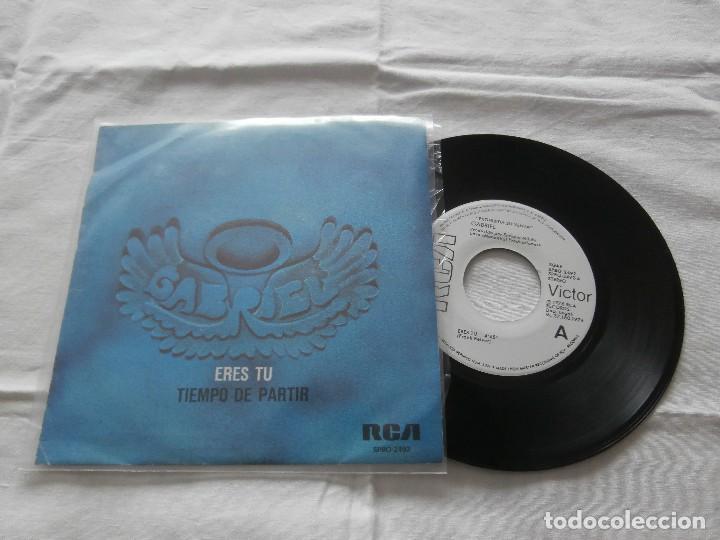 GABRIEL (SANTI PICO) 7´SG ERES TU / TIEMPO DE PARTIR (1976) PROMOCIONAL EN BUEN ESTADO (Música - Discos - Singles Vinilo - Grupos Españoles de los 70 y 80)