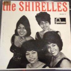 Discos de vinilo: THE SHIRELLES-EL MUNDO ESTA LOCO,LOCO-EP-ED ESPAÑOLA 1964. Lote 121802503