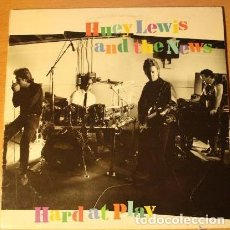 Discos de vinilo: HARD AT PLAY - HUEY LEWIS AND THE NEWS. Lote 122001575