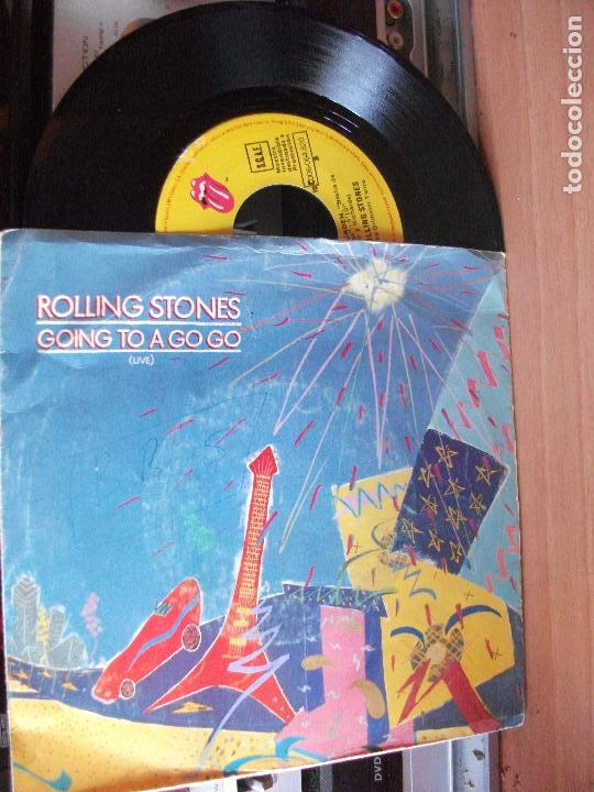 THE ROLLING STONES GOING TO A GOGO SINGLE SPAIN 1982 PDELUXE (Música - Discos de Vinilo - Singles - Pop - Rock Extranjero de los 80)