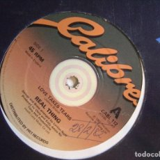 Discos de vinilo: REAL THING - LOVE TAKES TEARS - MAXI UK 1982 - CALIBRE. Lote 122056111