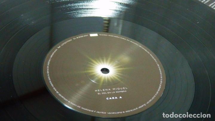 Discos de vinilo: HELENA MIQUEL / Delafé y las Flores Azules * LP VINILO * El Sol En La Sombra * Ltd Precintado - Foto 2 - 124159914