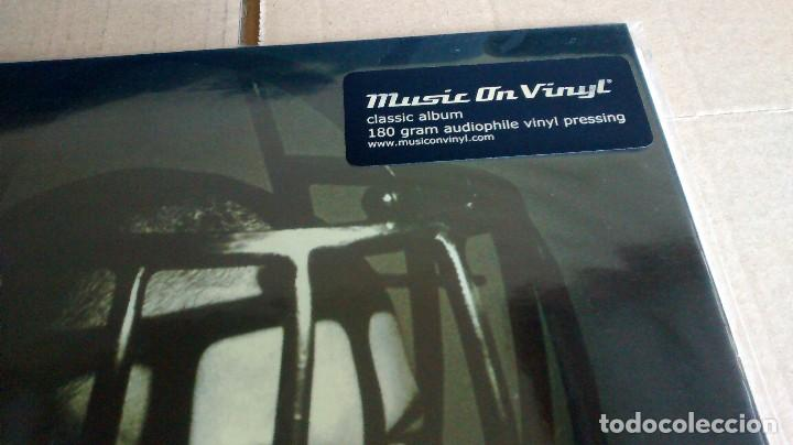 Discos de vinilo: (SIN ABRIR) LIVING COLOUR - STAIN - VINILO 180 GRAMOS - Foto 2 - 122588927