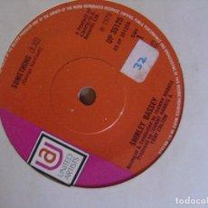 Discos de vinilo: SHIRLEY BASSEY - SOMETHING + EASY TO BE HARD - SINGLE UK 1970 UA. Lote 122676127