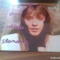 Discos de vinilo: SUZANE VEGA. SOLITUDE STANDING. BUEN ESTADO. ENCARTE CON LETRAS INCLUIDO. Lote 123052515