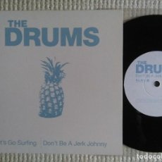 Discos de vinilo: THE DRUMS - '' LET'S GO SURFING / DON'T BE A JERK... '' SINGLE 7'' 2010 UK. Lote 123110427